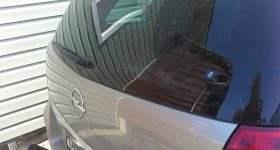 опель повреждение крышки багажника