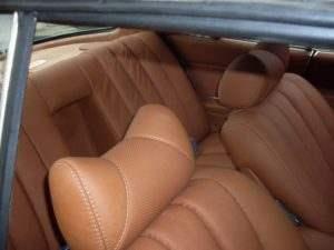 перетяжка сидений авто кожей